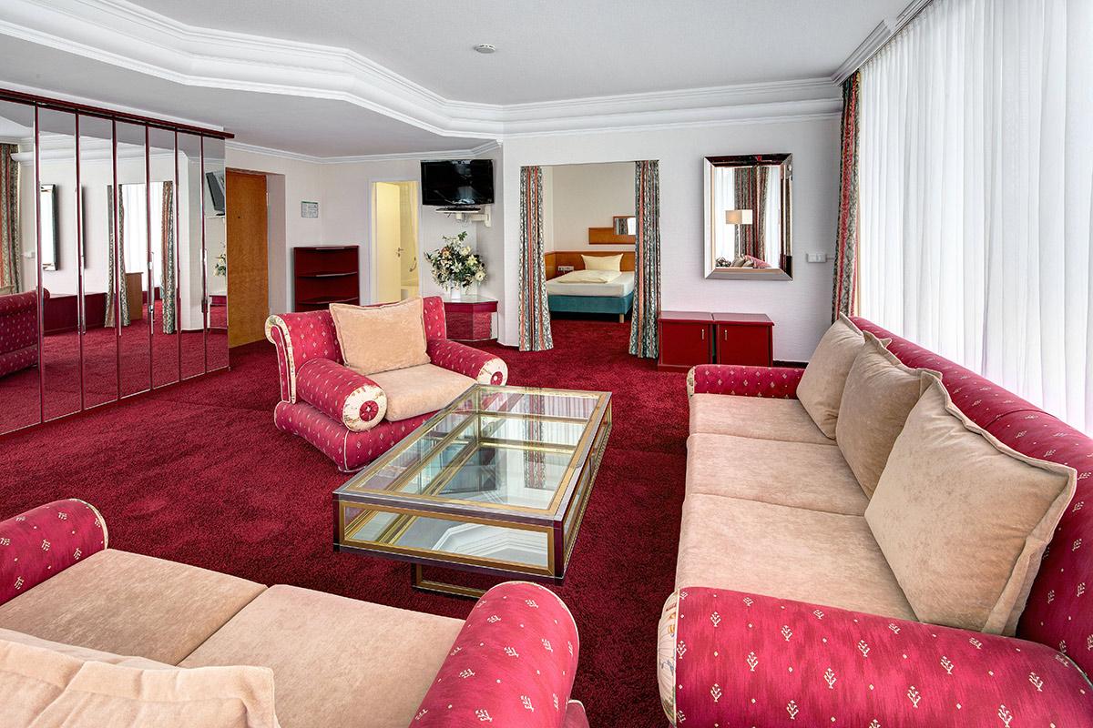 Rote-Suite-2