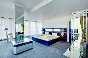 Royal-Suite-1